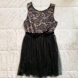 🌵2/$15 AMERICAN RAG / black/tan dress / L